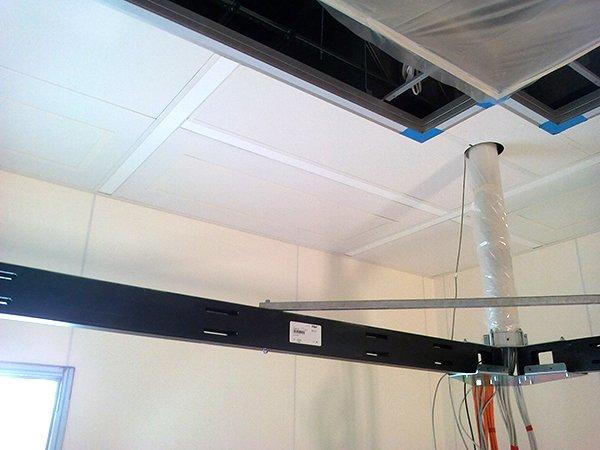 Metall Infrarotheizungen | Einbau - Montagearbeiten im OP - Saal